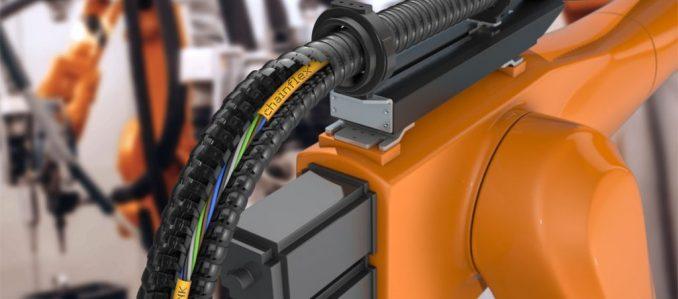 Novos cabos chainflex IO-Link: comunicação fiável mesmo com torção